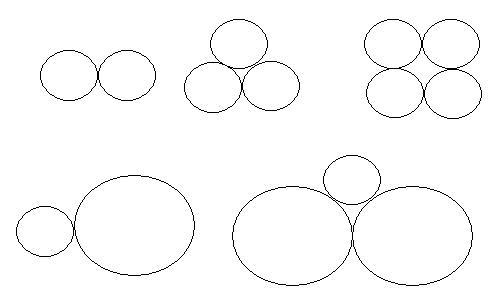 在方格纸上,画出轴对称图形的另一半.